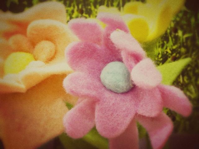 Felt Flowers web
